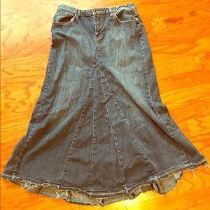 Distressed ladies blue jean skirt